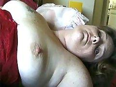 Plump mature lady does fine blowjob