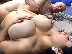 Man hard fucks chubby girl on floor