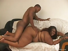 Massive black bbw screwed like she needs